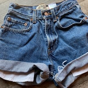 High waisted cut off Levi's shorts